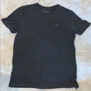 AMERICAN EAGLE OUTFITTERS GREY TSHIRT